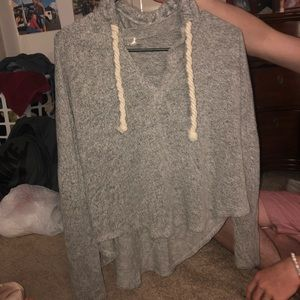 Lose fashionable sweater